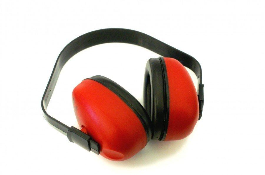 Przepisy techniczne dotyczące ochrony przed hałasem w budynkach mieszkalnych i użyteczności publicznej