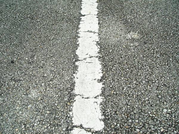Jak granulat gumowy wpływa na właściwości betonu asfaltowego?