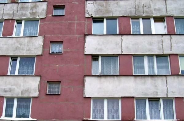 Docieplenie budynku wielorodzinnego – wady i uszkodzenia