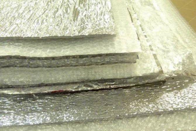 Badania nad zastosowaniem mat refleksyjnych do dociepleń ścian od wewnątrz