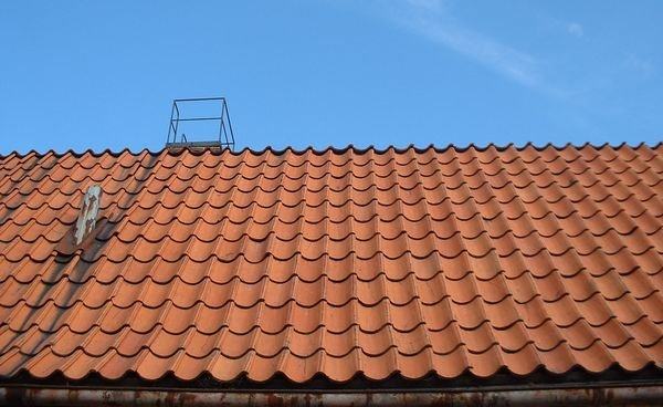 Farby ekologiczne odbijające promieniowanie słoneczne przeznaczone do renowacji pokryć dachowych
