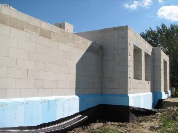 Projektowanie ścian zewnętrznych jednowarstwowych a wymagania cieplne