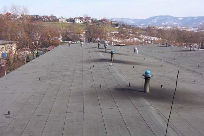 Aspekty cieplno-wilgotnościowe przy projektowaniu, wykonywaniu oraz eksploatacji dachów i stropodachów