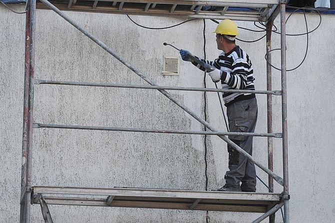 Korozja mikrobiologiczna ocieplonych fasad budynków i jej aktywne zapobieganie