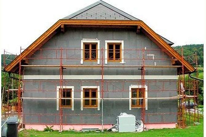 Ocieplenie ścian zewnętrznych płytami styropianowymi – wybrane aspekty projektowe