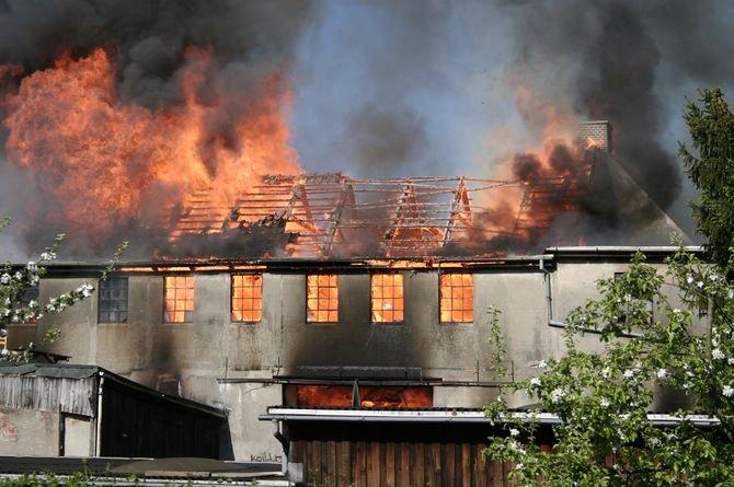 Rola rzeczoznawcy ds. zabezpieczeń przeciwpożarowych w procesie projektowania budynków