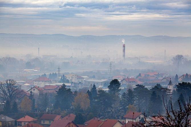 Na Mazowszu zakaz palenia w kominkach w smogowe dni