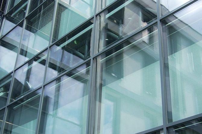 Szklana fasada o podwójnym przepływie powietrza – aspekt energetyczny