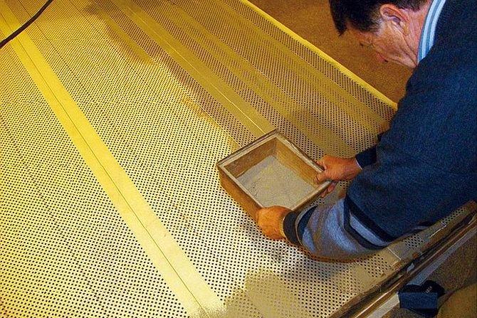 Wpływ zanieczyszczenia paneli dźwiękochłonnych na ich własności akustyczne