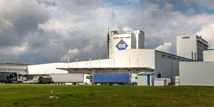 Atlas inwestuje i wzmacnia automatyzację w swoich fabrykach