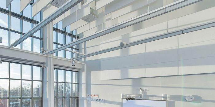 Ściany podwyższające komfort akustyczny w pomieszczeniu