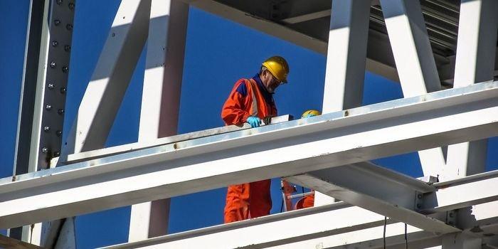 Zasady zarządzania ryzykiem w branży budowlanej