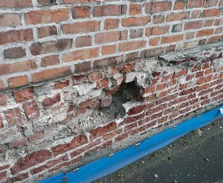 Mury z pustkami lub szczelinami zawsze stanowią problem przy wykonywaniu iniekcji. M. Rokiel