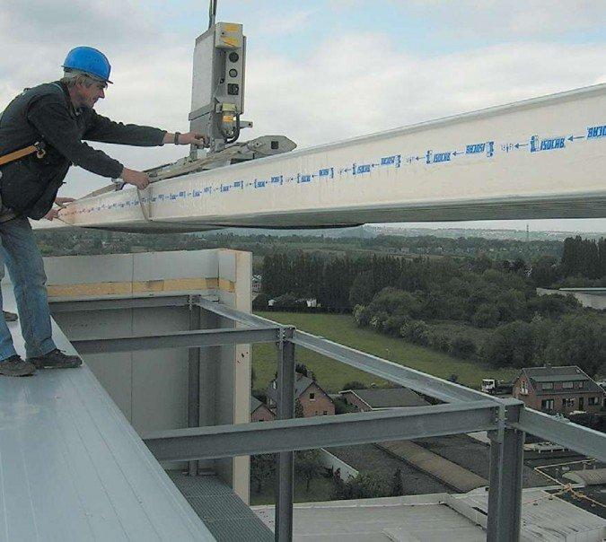 Odbiór płyty dachowej przeznaczonej do montażu w określonym miejscu połaci dachowej dokonywany z wcześniej ułożonej płyty archiwum autora