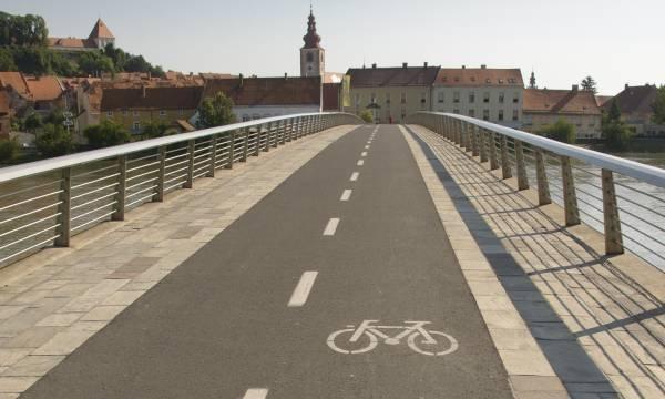 Izolacje z pap asfaltowych na mostach www.sxc.hu