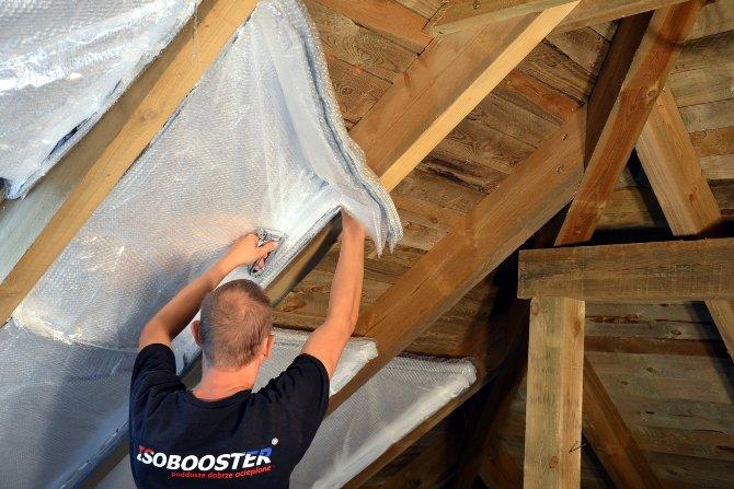 Maty ISOBOOSTER® sprawdzą się jako izolacja poddaszy lepiej niż inne materiały stosowane obecnie w budownictwie, fot. Isobooster