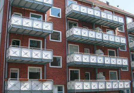 Balkon podwieszany na konstrukcji metalowej Archiwum autorki
