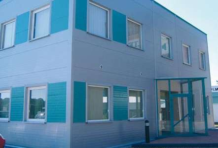 Przykład zastosowania płyt warstwowych w budynku niemieszkalnym MP-Alamentti