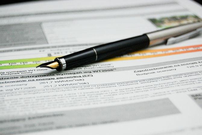 Poznaj zmiany w przepisach i normach w zakresie cech energetycznych budynków www.pixabay.com