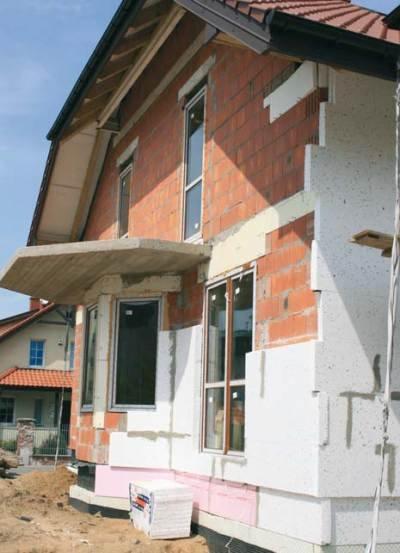 Fot. 2. Budynek jednorodzinny ocieplany styropianem