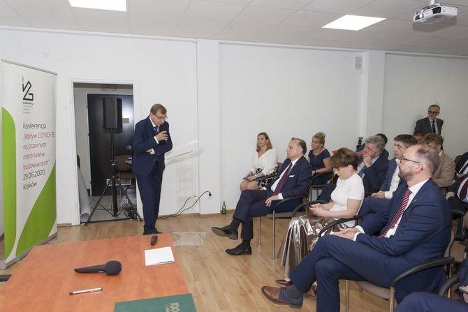 Prof. Jerzy Lis, rektor elekt Akademii Górniczo-Hutniczej w Krakowie podczas konferencji ICiMB