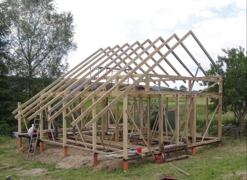 FOT. 1. Konstrukcja szkieletowa domu drewnianego; fot.: M. Wieczorek