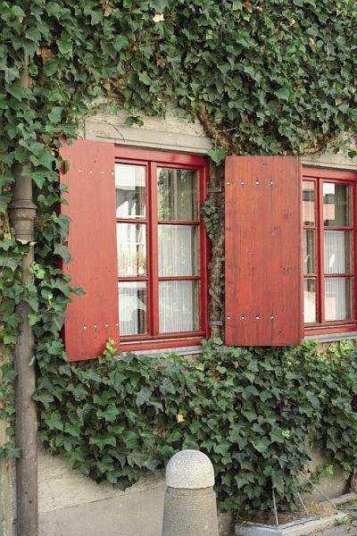 FOT. 4. Okiennice występujące na budynku mieszkalnym w Augsburgu; fot.: archiwum J. Żurawskiego