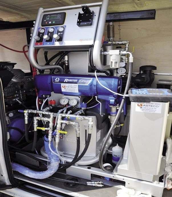 FOT. 2. Nowoczesna pompa natryskowa w zabudowie samochodowej; fot.: archiwum autora