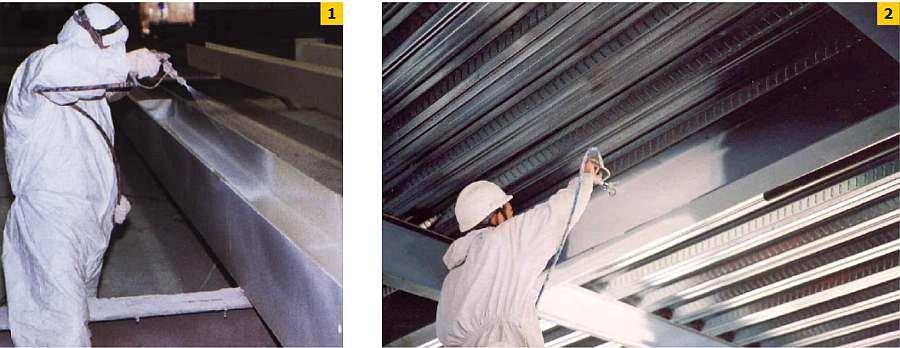 FOT. 1-2 Aplikacja powłoki ogniochronnej metodą natrysku hydrodynamicznego; fot. archiwa autorów