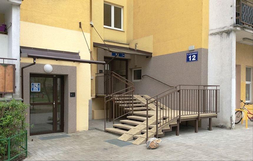 FOT. 5. Przykład wykorzystania komory zsypowej do montażu dźwigu osobowego - umożliwienie swobodnej komunikacji dla osób niepełnosprawnych; fot.: autor