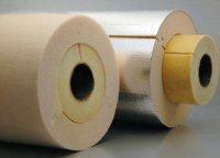 Fot. 4. Przykład otuliny dwuwarstwowej. Warstwę zewnętrzną stanowi PUR, wewnętrzną zaś – wełna szklana. Od lewej: otulina bez płaszcza, po prawej – z płaszczem (folia ALU).