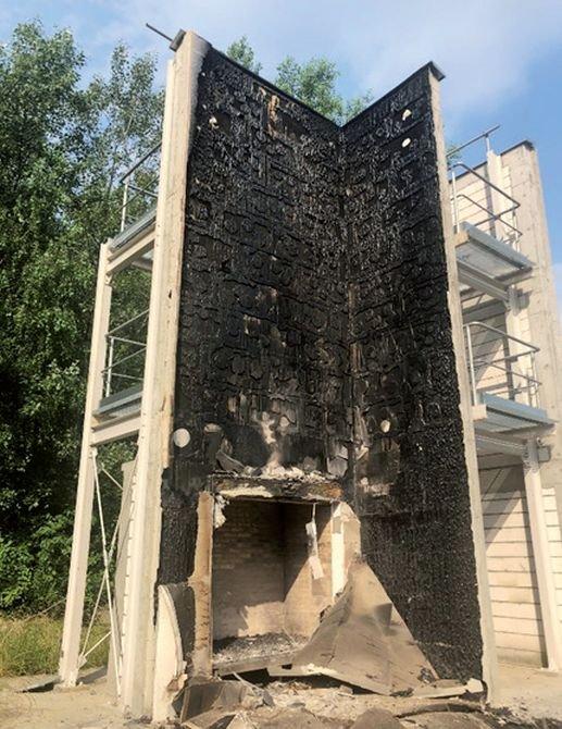 FOT. 11. Widok ściany EPS z nadprożem z wełny mineralnej po usunięciu warstwy zbrojonej; fot.: M. Niziurska, B. Chruściel, M. Wieczorek