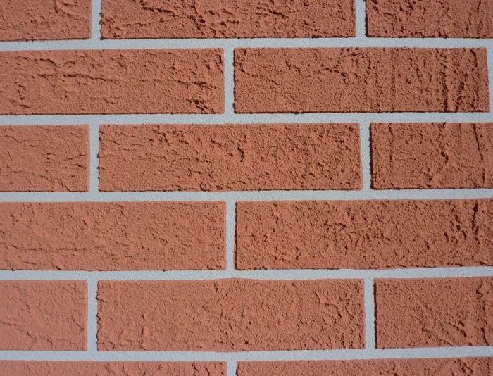 Tynk akrylowy – imitacja cegły ręcznie formowanej; fot.: SSO