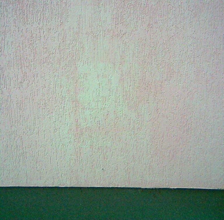 FOT. 2. Naturalne procesy związane ze starzeniem tynków i powłok malarskich, działanie promieniowania UV oraz czynników związanych z zanieczyszczeniem powietrza; fot.: P. Idzikowski
