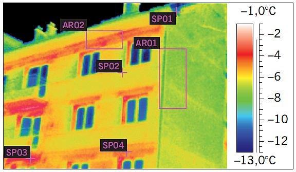 RYS. 3. Fragment ściany zewnętrznej o niskiej jednorodności cieplnej. Widoczne różnice temperatury pomiędzy poszczególnymi elementami przegrody; rys. archiwa autorów