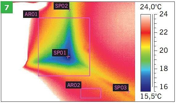 RYS. 7. Termogram naroża wewnętrznego (trzy płaszczyzny wzajemnie prostopadłe) w pomieszczeniu. Na zdjęciu: naroże dolne - defekt, gdzie różnica temperatur max i min. znacznie przekracza 5 K; rys. archiwa autorów
