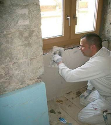 Fot. 9–10. Zastosowanie izolacji z aerożelu w miejscu cieńszej ściany zewnętrznej