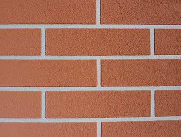FOT. 2. Wyprawa zewnętrzna (tynk akrylowy) –  imitacja cegły; fot.: Stowarzyszenie na Rzecz Systemów Ociepleń