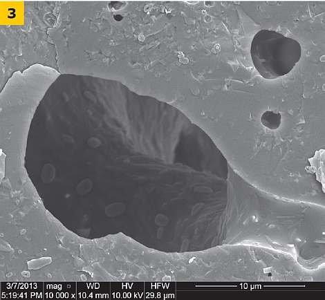 RYS. 3. Mikrostruktura żużla jasnego