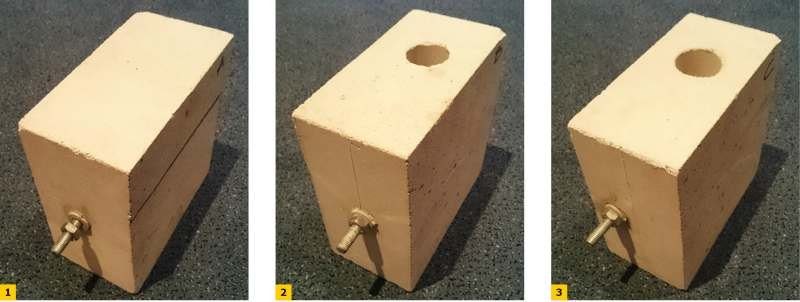 FOT. 1–3. Zakotwienie pręta stalowego w drążonym bloku wapienno-piaskowym: w części pełnościennej (1), w środku otworu pionowego (2), na krawędzi otworu pionowego (3)