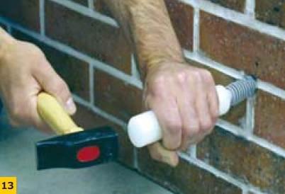 Fot. 13. Sposób mocowania końcówki iniekcyjnej w płaszczyźnie ściany
