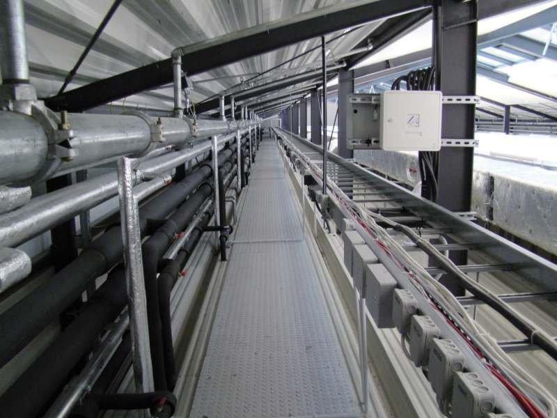 FOT. 1. Konstrukcja stalowa dachu: czyszczenie do stopnia Sa 2½, malowanie: farba epoksydowa (podkład), farba poliuretanowa (warstwa wierzchnia); SGP = 160 μm, wykonanie 190–500 μm.