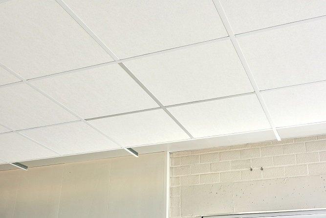 Konstrukcja Matt White 11 pozwala wykonać elegancki sufit w przystępnej cenie Rockfon