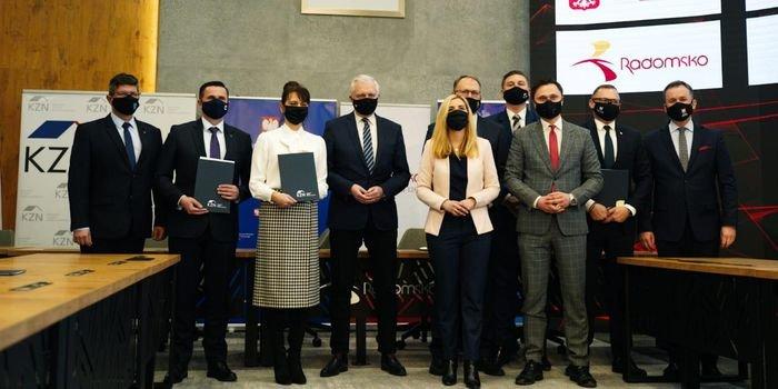 Konferencja prasowa dotyczaca podpisania porozumienia między KZN a gminami z województwa łódzkiego; fot. MRPiT
