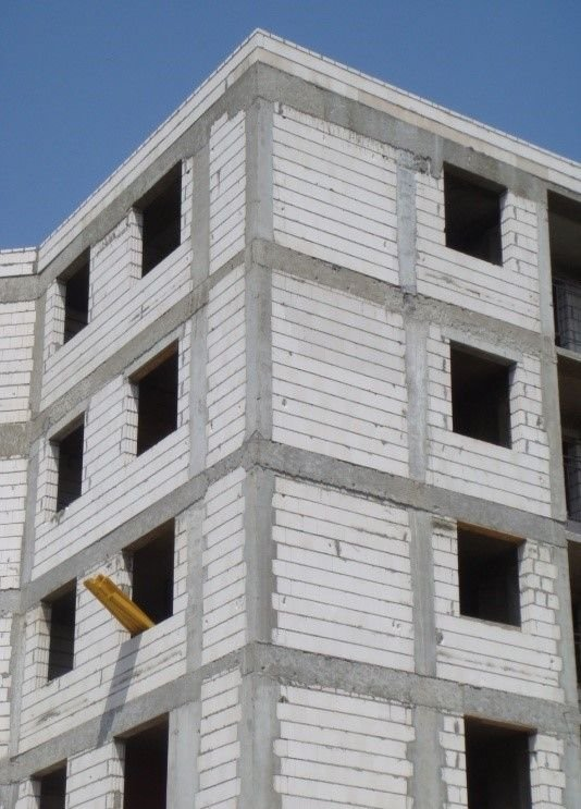 mury skrepowane elementy silikatowe