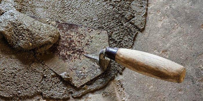 Zaprawy naprawcze do betonu stosuje się w celu wymiany lub przywrócenia pierwotnego kształtu oraz funkcji uszkodzonego elementu betonowego; fot. archiwum redakcji