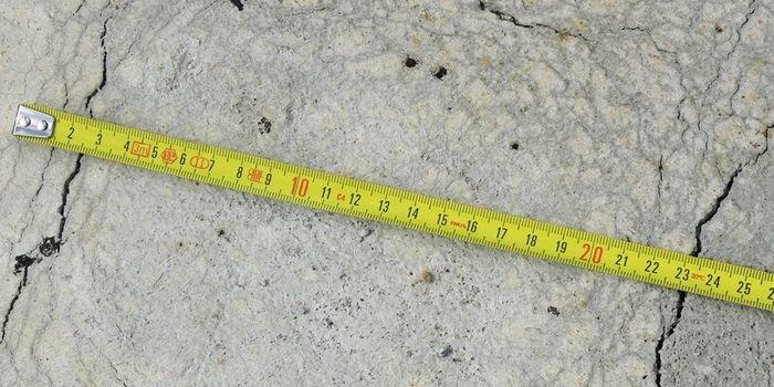 Jaką wytrzymałość mają elementy betonowe wykonane na budowie? fot. K. Pogan